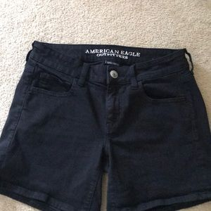 American Eagle Black Midi Shorts Size 2